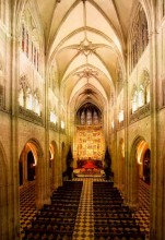 Nave Central (Catedral Interior)
