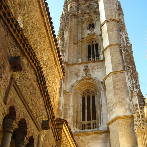 torre_gotica_catedrla_oviedo